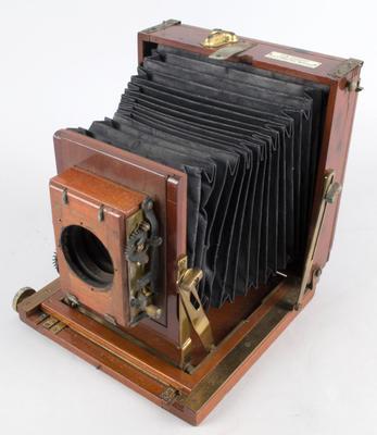 Camera [Thornton-Pickard Amber]