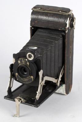 Camera [No.1 Pocket Kodak Series II]