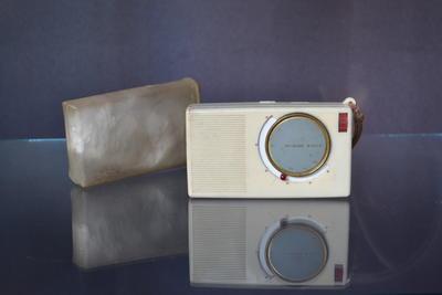 Portable Radio [Hi-High]