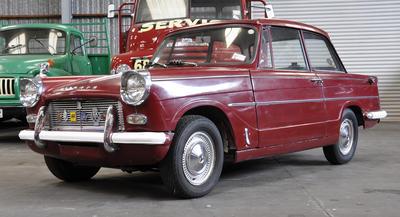 Automobile [Triumph Herald 1200]