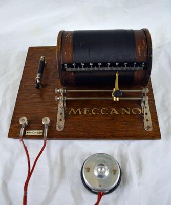 Radio Receiver [Meccano]
