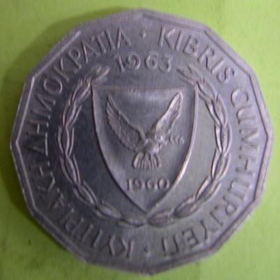 F137.6.2001_p1