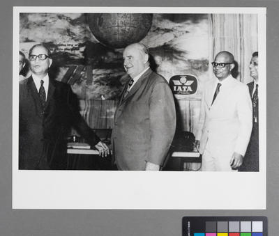 [A. H. Mohta, Sir Geoffrey Roberts, V. Satyamurti, and P. J. Lalvani at Indian Airlines headquarters]
