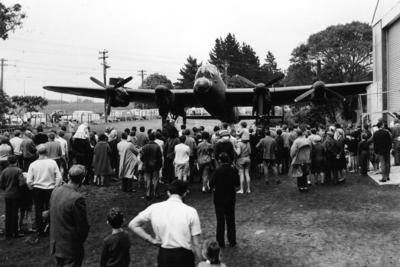 Outdoor display : Avro Lancaster