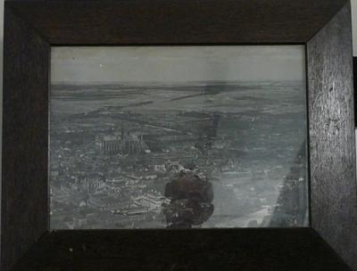 Showing aerial view of Amiens in early 1918