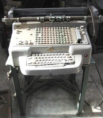 Typewriter-Adding Machine [National]