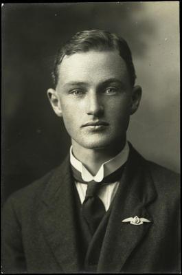Black and white studio portrait of Gordon Alfred Eliott