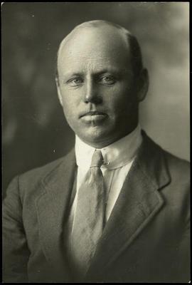Black and white studio portrait of Gerrit van Asch