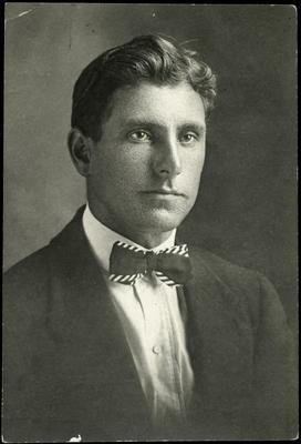 Black and white studio portrait of John Leask Foubister