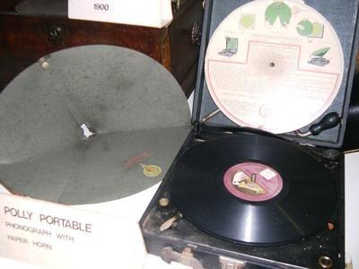 Phonograph [Polly Portable]
