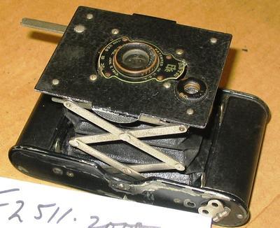 Camera [Kodak Autographic Vest Pocket]