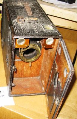 Camera - Box (Unidentified)