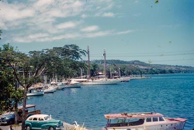 [Tahiti waterfront]