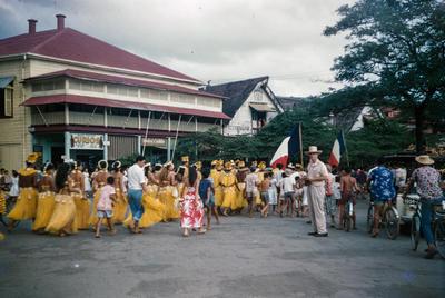 [14th July dancers]