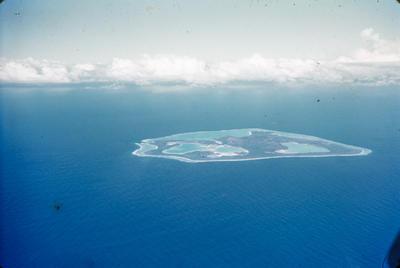 [Aerial view of Tubuai Manu near Tahiti]