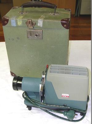 Slide projector [Argus 300E]