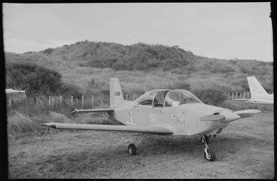 620 7.3.70 Wanganui (Grey Baron + Snoopy) [ZK-DBD AESL Airtourer Super 150]