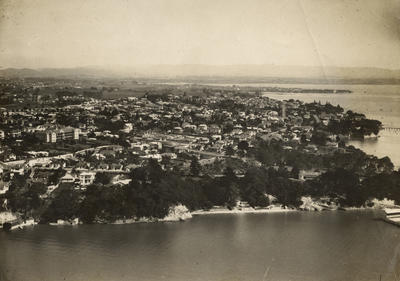 Photograph of western central Auckland