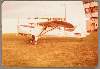 ZK-BCK Auster J/5F Aiglet Trainer 27.5.82 New Plymouth