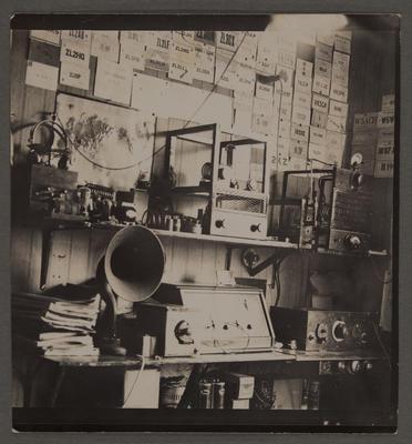 L E Birch's radio room, 1930s (ZL2HI)
