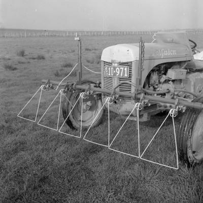Automatic spot weed-spraying, Ruakura, 23 June 1960