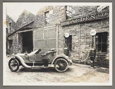 [Copy photograph of Robert Garden Senior's car in Kirkwall]