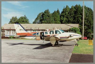 VH-WLV Beech B58 16.1.94 Ardmore Neg BK 15