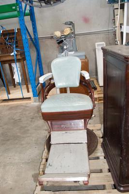 Chair [Dental Chair]