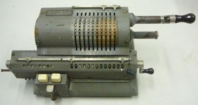 Calculator [Pinwheel calculator]