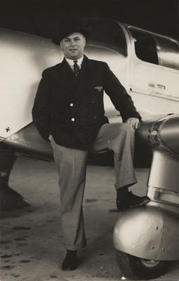 Wellington Aero Club. Len Anderson in front of Miles Whitney Straight. 1936.