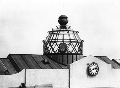 [Hatfield Aerodrome beacon]