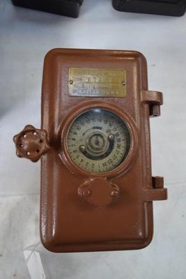 Meter, electrical [Novitas]