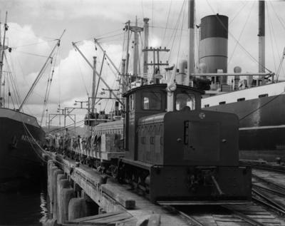 Drewering diesel shunting engine  No 2722/1960 on Portland Cement wharf, Feb 1961