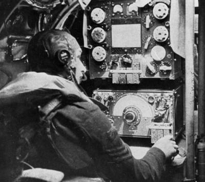 Avro Lancaster, radio operator