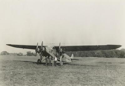 """Avro 618 tri-motor """"Faith in Australia"""" : crew for Atlantic flight"""