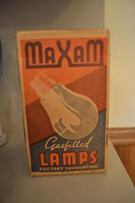 Light Bulb in Box [Maxam]