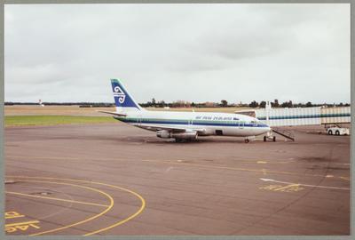 Boeing 737 7-6-2000 Christchurch