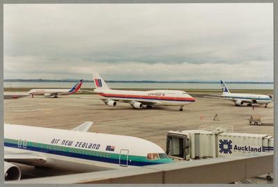 N182UA Boeing 747 3.10.93 Auckland Airport Neg BK 15