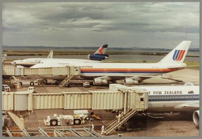 [N4732U Boeing 747 photograph]