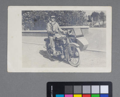 [Frederick Raynor Pinny on New Hudson motorcycle sidecar combination]