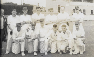 [Auckland tramway cricket team at Laughlan Cup]; Unknown Photographer; Feb 1948