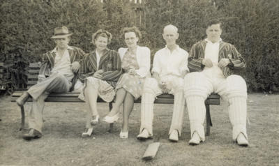 [Auckland tramway cricket players and supporters at Laughlan Cup]; Unknown Photographer; Feb 1948