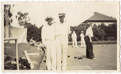 [Unidentified bowls players]