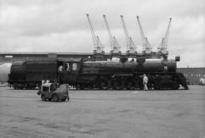 Photograph of locomotive J 1236