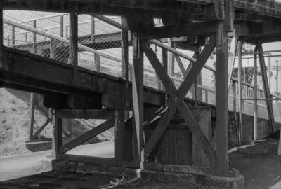 Photograph of pedestrian overbridge, Pukekohe station