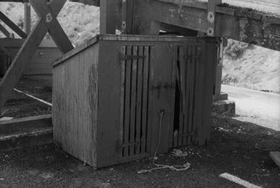 Photograph of platform dog box or kennel