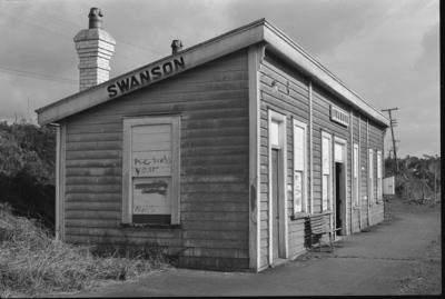 Photograph of Swanson railway station
