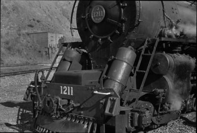 Photograph of locomotive J 1211