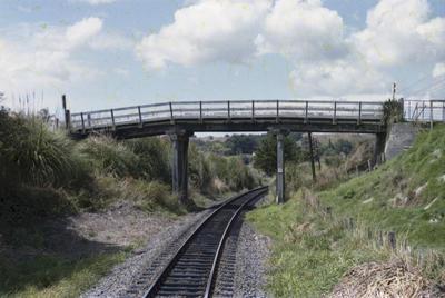 Photograph of bridge 135
