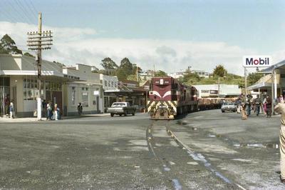 Photograph of two DA locomotives in Kawakawa